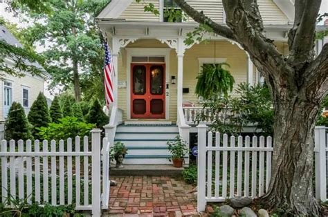 Cottages In Rhode Island by A Charming Yellow Cottage In Rhode Island For Sale A