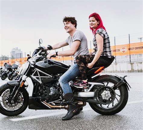 Ducati Motorrad Hamburg mit der ducati xdiavel s auf den harley days in hamburg
