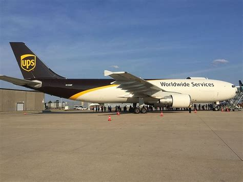 508 best cargo airlines ups images on cargo airlines 747 plane and air ride