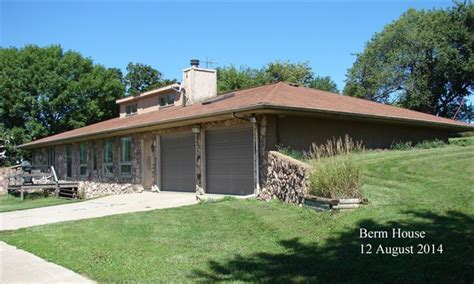 berm home gc5av9y berm house multi cache in iowa united states created by halllilley