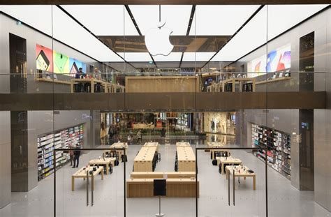 home design apple store the iconic architecture of the world s major apple stores
