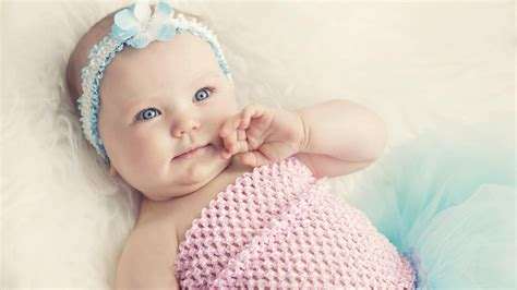 wallpaper of blue eyes baby cute baby with blue eyes hd girls 4k wallpapers images
