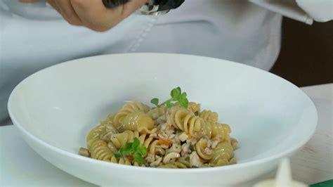 ricette cucine da incubo cucine da incubo italia pasta con rag 249 di coniglio di