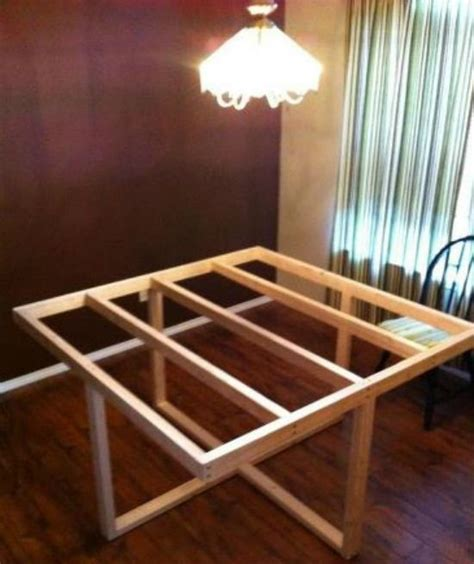 square modified cross frame dining