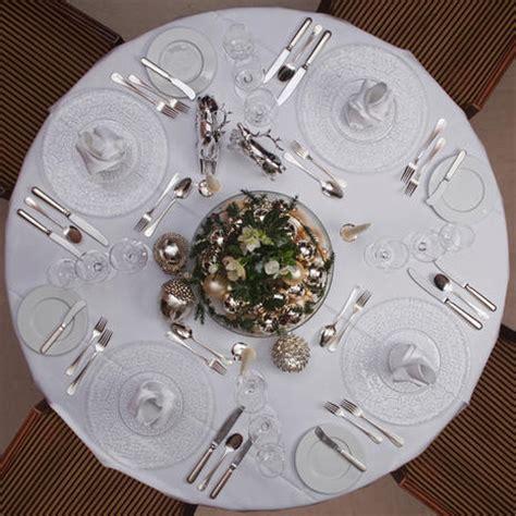 come apparecchiare un tavolo tavola per il pranzo di natale i consigli e le idee per