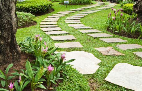 sentieri giardino v di vialetti da giardino idee per sentieri