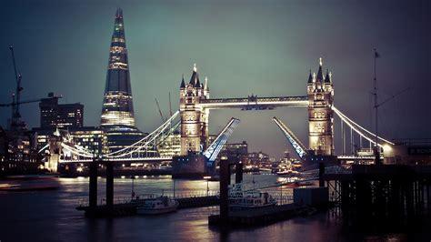London City At Night – WeNeedFun