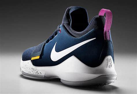 Sepatu Basket Nike Pg 1 Paul George 1 Black nike pg 1 10 things to inspiration sneakerfiles