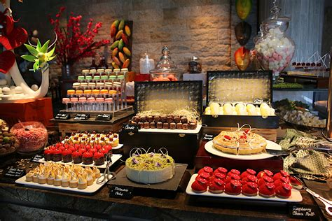 sunday chagne brunch buffet at edge pan pacific