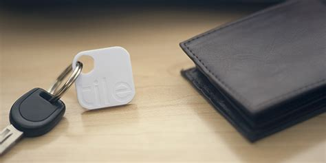 I Tile Tracker Bluetooth Enabled Tile Makes Tracking And Finding Lost