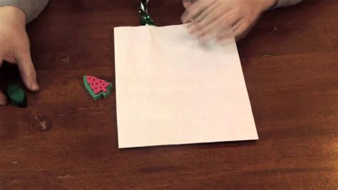 simple decorative crafts simple christmas decorations for a white paper bag