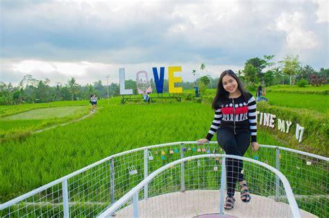 Gembok Cinta Di Farmhouse spot untuk gantungkan gembok cinta di indonesia traveling yuk