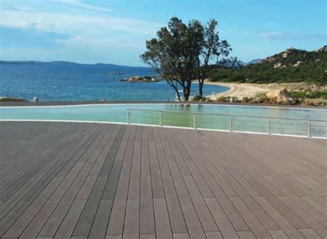 pavimenti in legno composito per esterni wpc legno composito vantaggi caratteristiche differenze