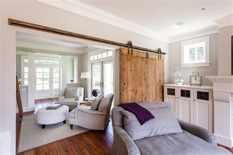 desain ruang tamu pakai pintu geser cocok buat rumah minimali