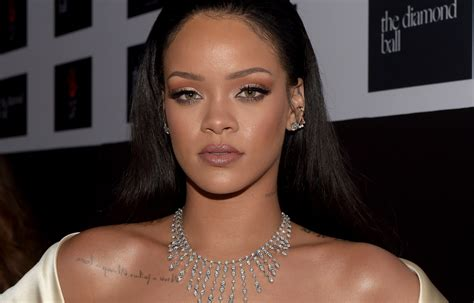 Photos Of Rihanna by Rihanna S Response To Shamers Is Of