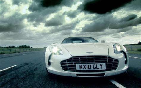 Aston Martin Wallpaper Hd by Aston Martin One 77 Wallpapers Pictures Images