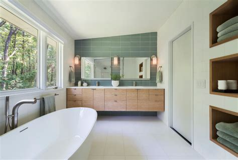 Mid Century Modern In Lincoln Midcentury Bathroom Boston By Flavin Architects