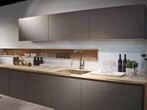 Modern Kitchen Design Trends by Modern Kitchen Design Trends