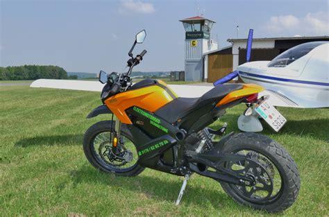 Motorradverleih Erzgebirge by E Motorradverleih Und Elektrischer Fahrspa 223 F 252 R Jeden