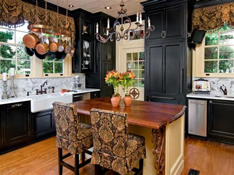 tuscan kitchen paint colors pictures ideas from hgtv hgtv ci cheryl clendendon traditional kitchen wide shot 4x3 jpg
