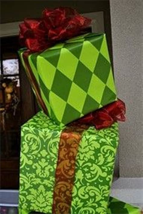 how the grinch stole door decorating ideas grinch decorations on grinch