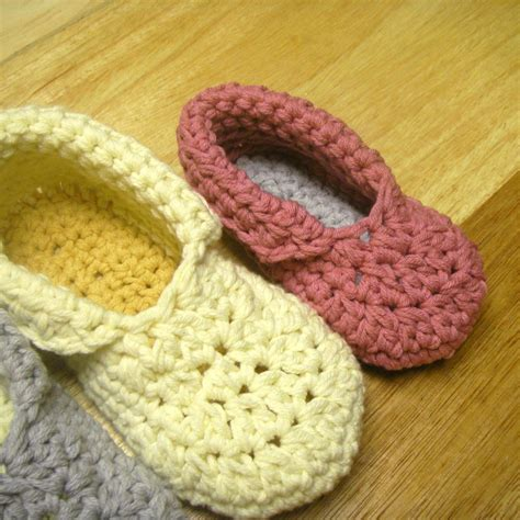 crochet house shoes free crochet slipper patterns