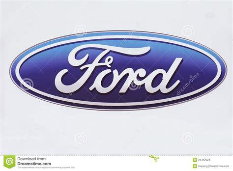 Ford Mustang Auto Zeichen by Ford Zeichen Redaktionelles Stockbild Bild 24412024