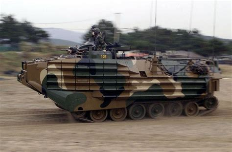 Topi Korea 47 republic of korea marine corps quot hibious tank quot lvt