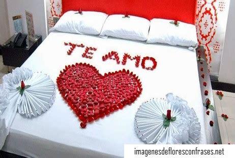 imagenes de rosas en la cama im 225 genes de un coraz 243 n hecho con p 233 talos de rosas y frases