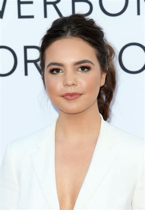 madison s bailee madison mother s day world premiere in los angeles
