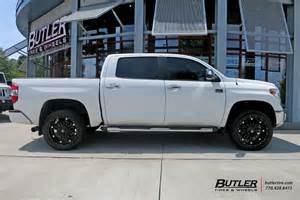 Toyota Tundra Wheels Toyota Tundra Custom Wheels Fuel Hostage 22x Et Tire