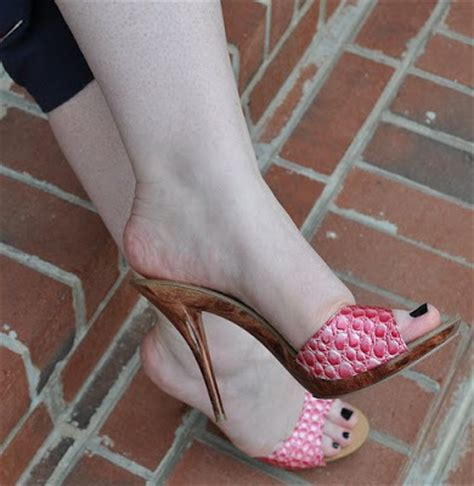 pics for > beautiful feet with sandals