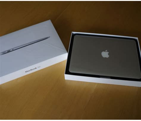 Second Macbook Air jual second macbook air md321 fullset garansi murah