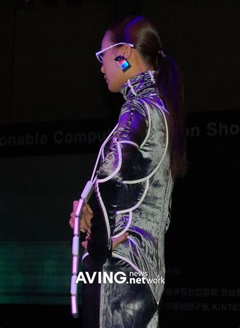 GOYANG, Korea (AVING Special Report on 'NextComShow 2006')    A variety of fashionable wearable