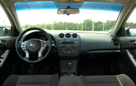 nissan altima interior 2009 2009 nissan altima 2 5 s review test drive