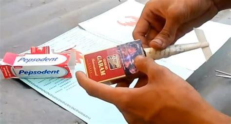 Pasta Gigi Perokok membuat mobil formula dari bungkus rokok dan bungkus pasta