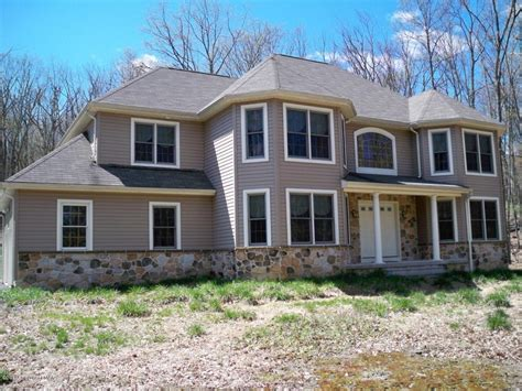 2 ridge road east stroudsburg pa 18302 for sale