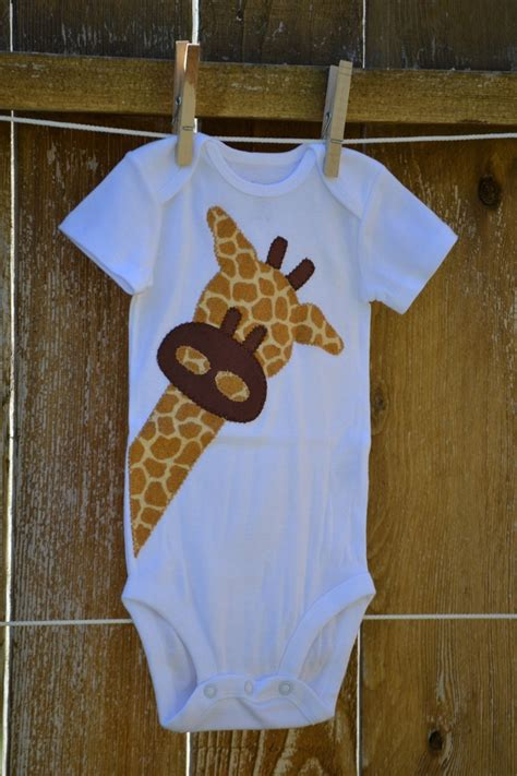 giraffe applique peek a boo giraffe applique onesie 15 00 via etsy