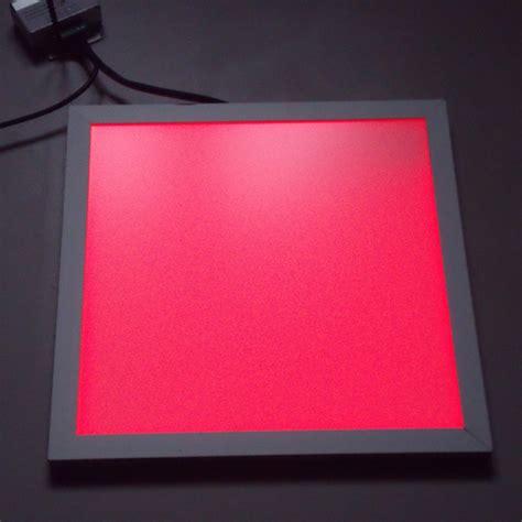 dalle lumineuse led rgb 30 x 30 pour murs et plafonds avec