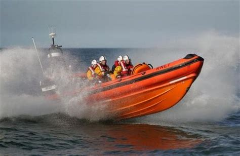 failure to launch boat scene two men rescued by sunderland rnli after vessel suffers