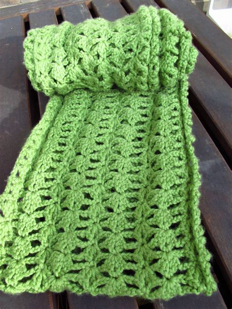 crochet diy diy crocheted lacy green infinity scarf pattern