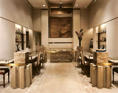 resultado de imagen  stylish jewellery shop interior