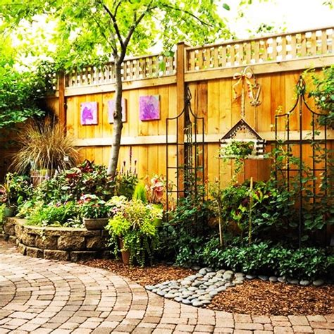 Backyard Fence Decorating Ideas 40 Creative Garden Fence Decoration Ideas