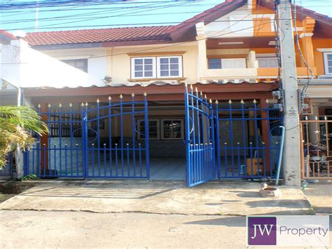 2 bedroom townhome for rent unavailable 2 bedroom townhouse in centre for rent