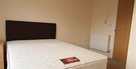 rooms rent ensuite room to rent in central bristol free wifi temple meads
