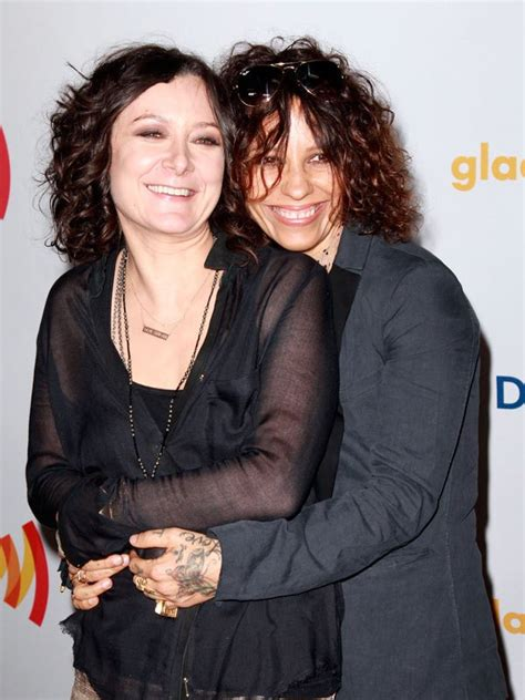 linda perry on the talk linda perry sara gilbert engaged roseanne star talks