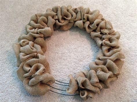 diy burlap door wreath gaining mommymentum