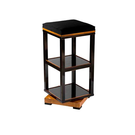 Table Turning by Small Stool Etagere With Removable Tray