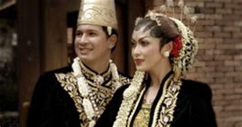Baju Kaos Kata Kata Tentang Kopi gambar baju adat indonesia