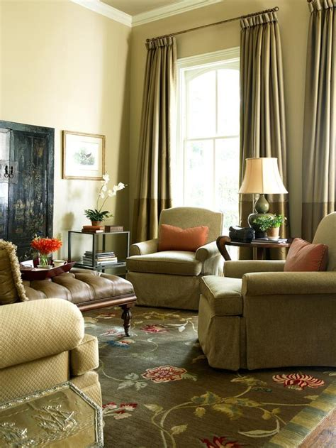 Traditional Living Room Color Schemes by Neutral Traditional Living Room With Green Floral Rug Hgtv